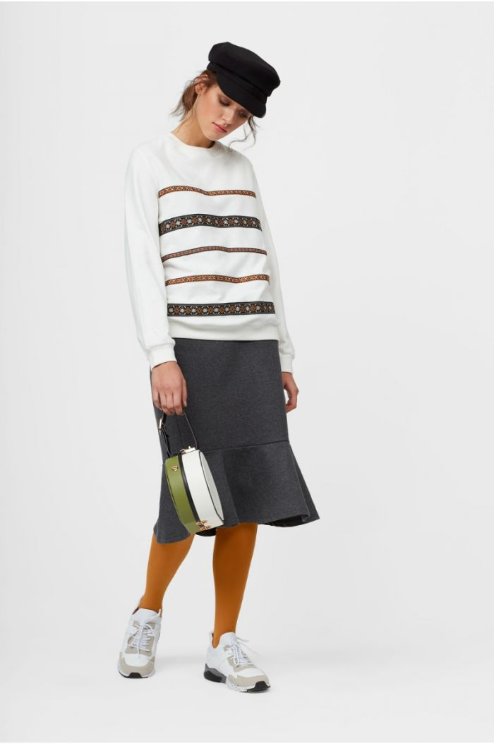 sweatshirt with Patterned Lines