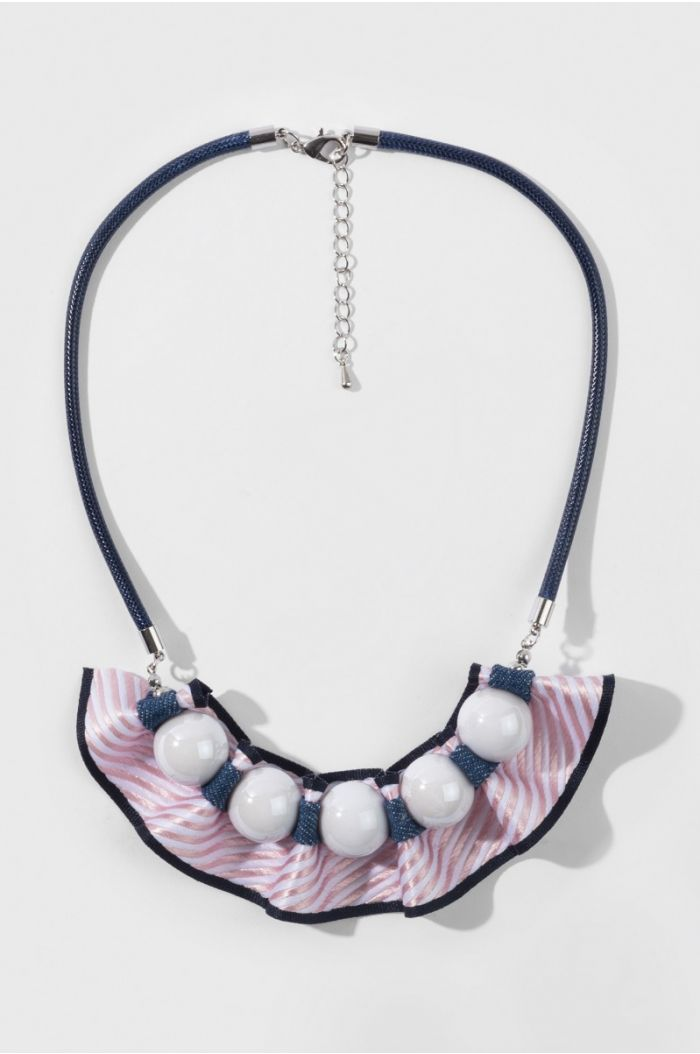 Beads And Frill Necklace