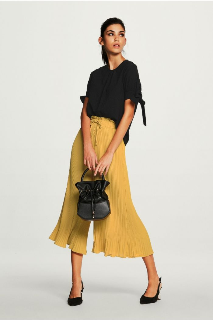 Pleated Pants with Ruffled Hem