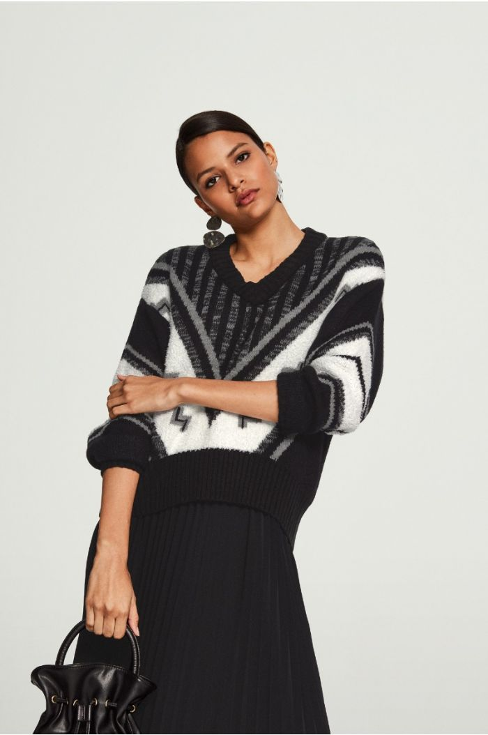Pattren Knitted Pullover