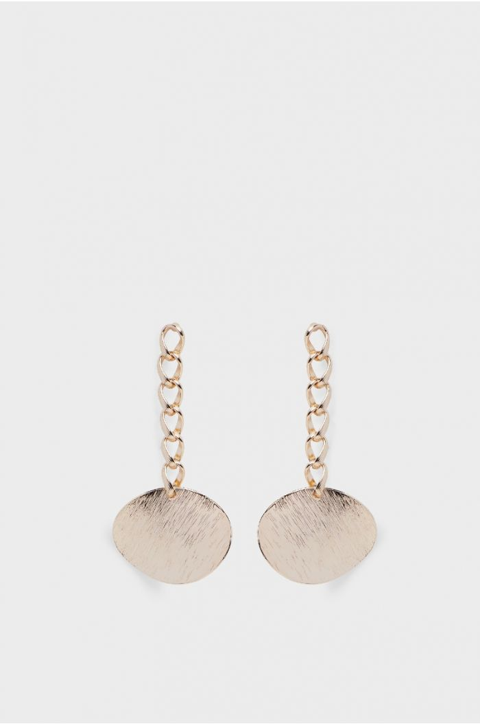 Earrings with a rounded pendant