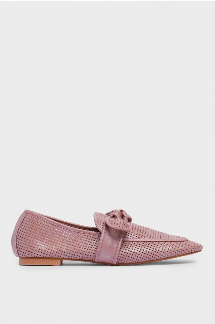 Flat ballerina shoes with perforated pattern