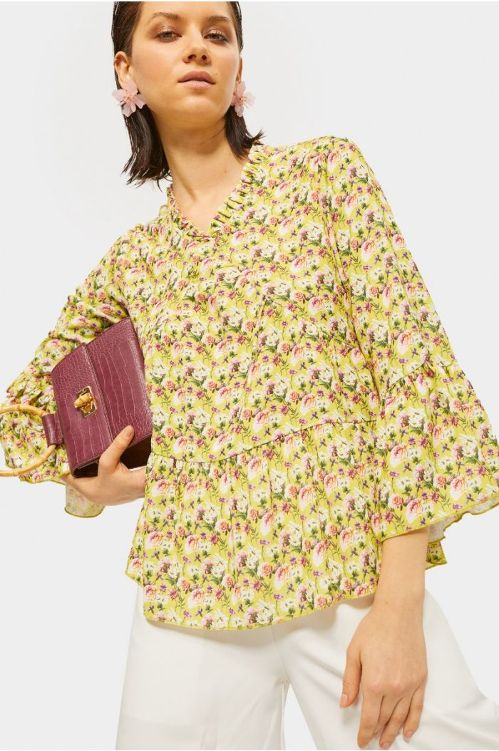 Floral ruffled blouse