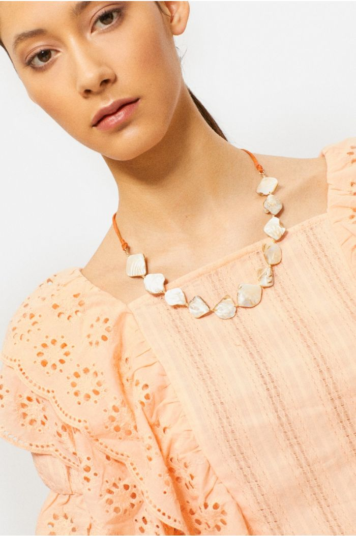 Shells string necklace