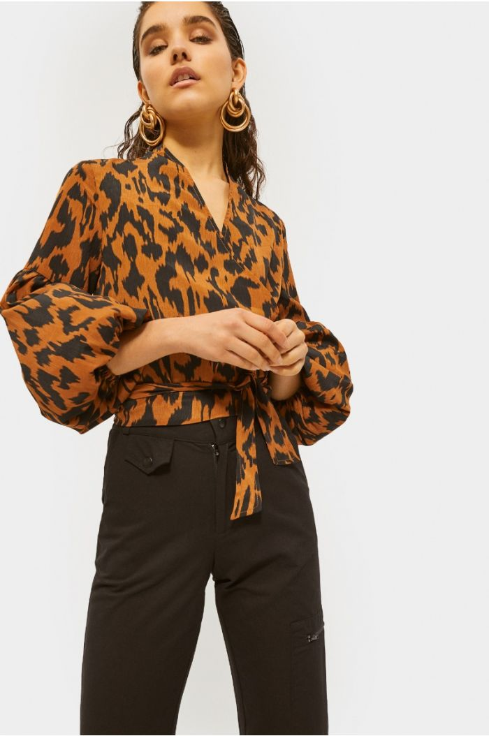 Animal printed blouse with puffed sleeves