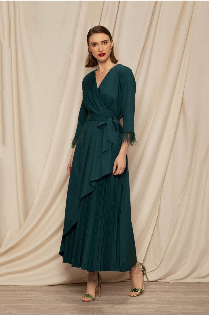Maxi wrap dress with pleats and feathery details