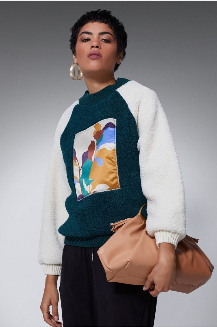 Knitted Pullover with a print