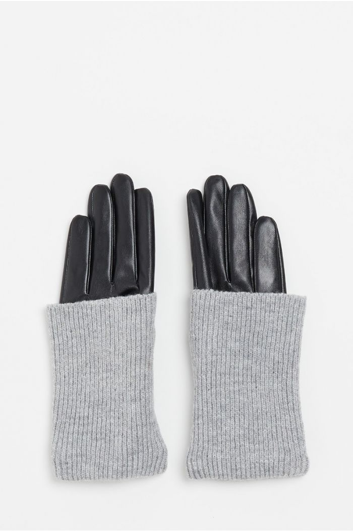 Contrast gloves of wool and leather