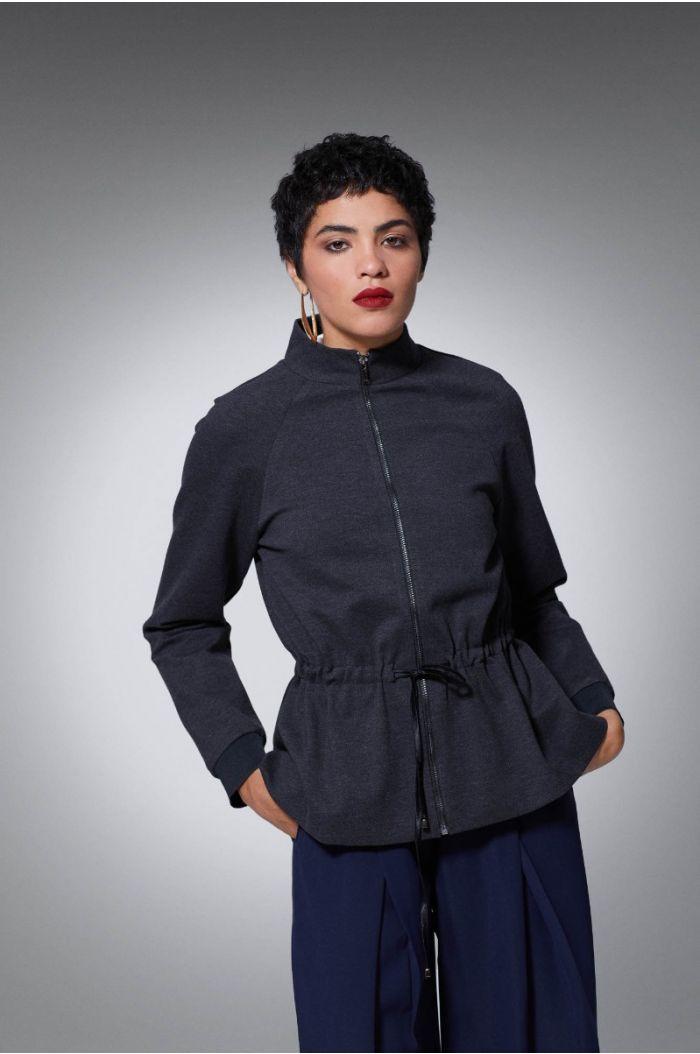 Plain jacket with drawstring