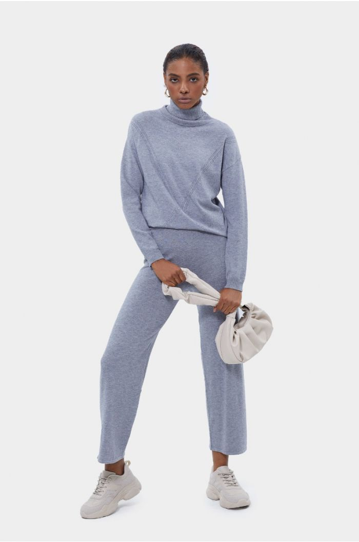 Plain knitted pants
