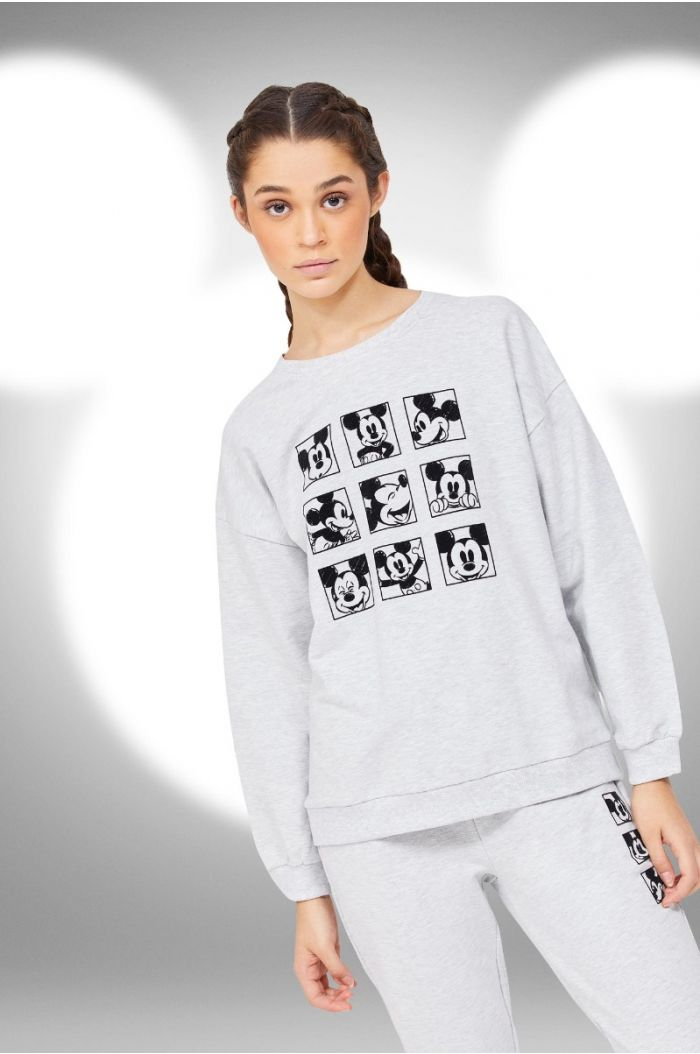 Sweatshirt with Mickey prints